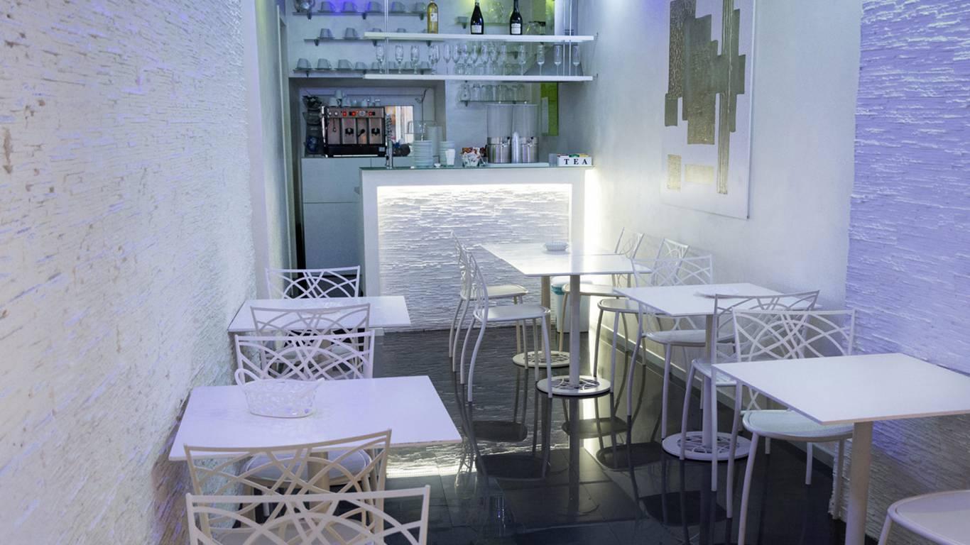 LBH-Hotel-Caravita-rome-breakfast-room-4
