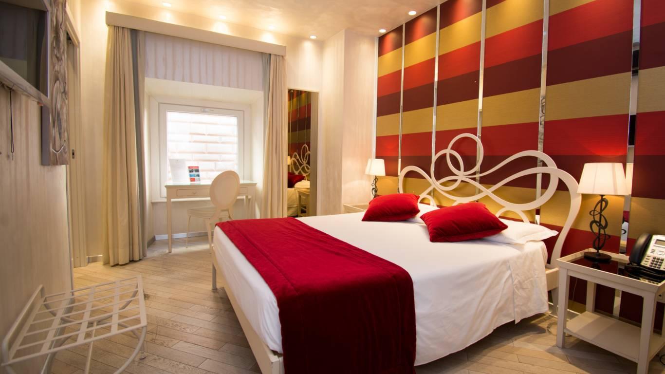 LBH-Hotel-Caravita-rome-family-suite-2.jpg