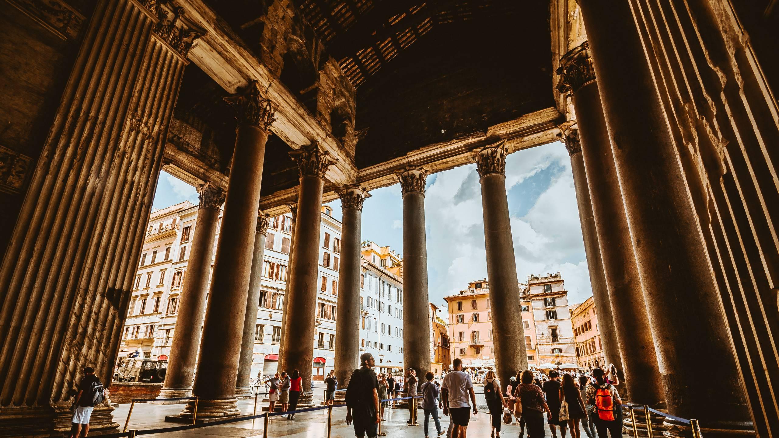 LBH-Hotel-Caravita-rome-pantheon-704481-unsplash
