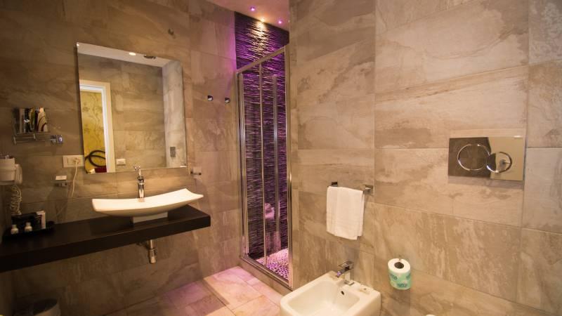 LBH-Hotel-Caravita-rome-classic-room-4646