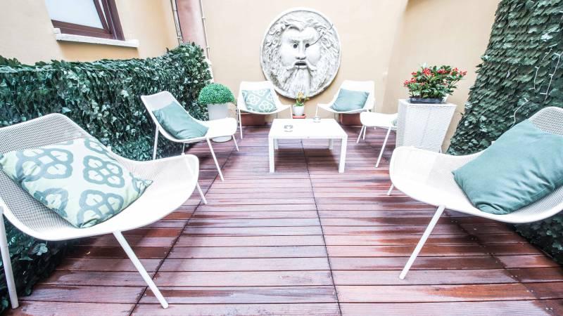 LBH-Hotel-Caravita-rome-garden-2