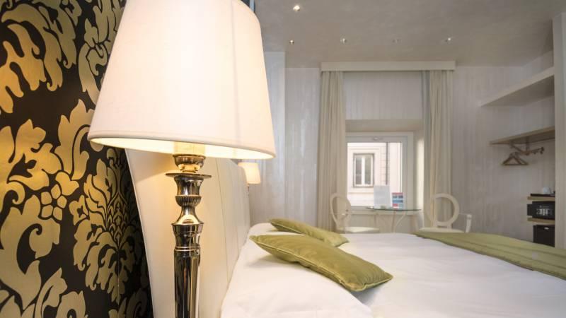 LBH-Hotel-Caravita-roma-junior-suite-2a